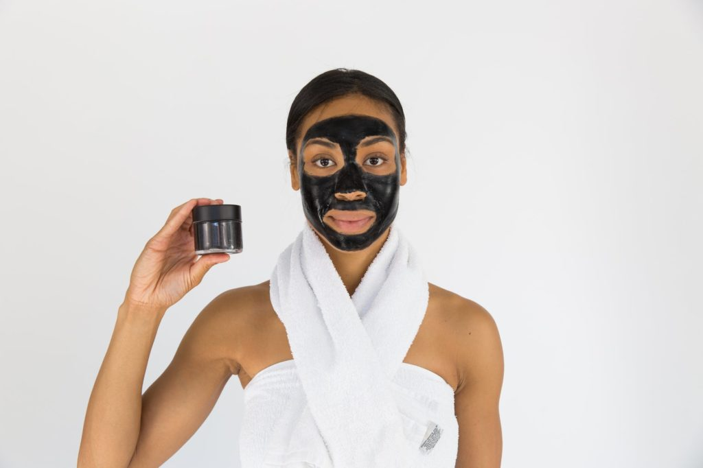 soigner l'acné avant les règles naturellement