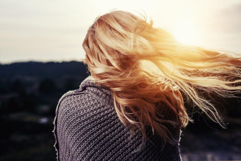 éviter la perte de cheveux après grossesse