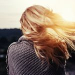 Perte de cheveux après grossesse : soins naturels et zéro déchet