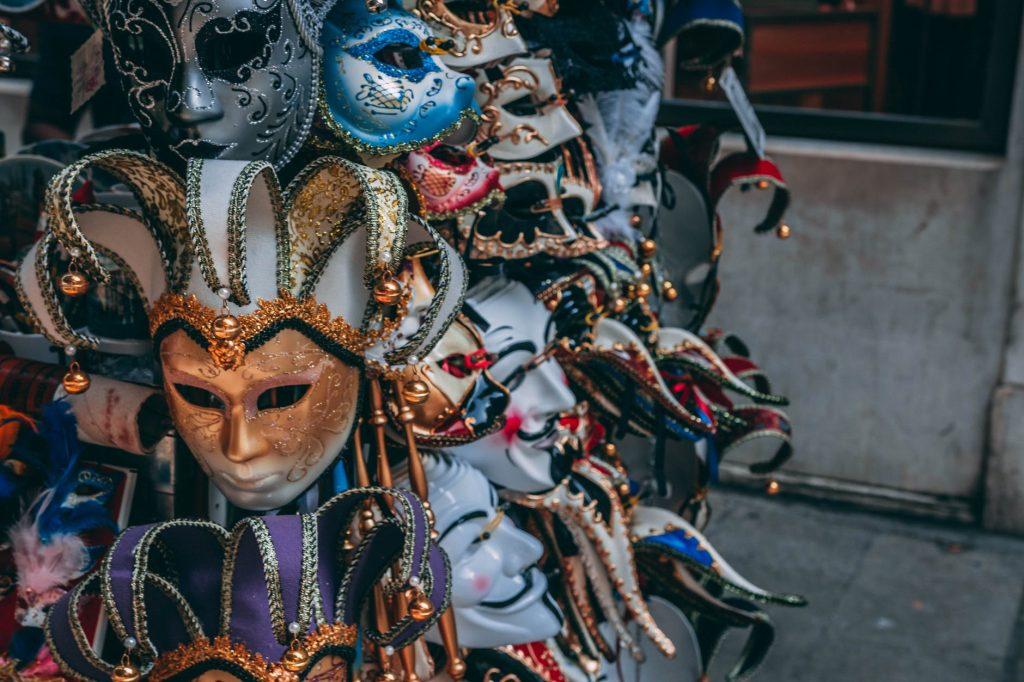 masques, métaphore de la persona